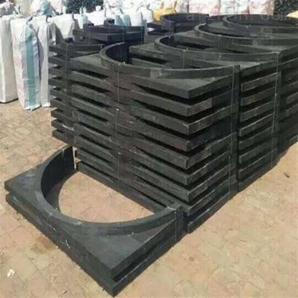 橡塑托玛现价供应   防腐垫木铁抱抗压力强