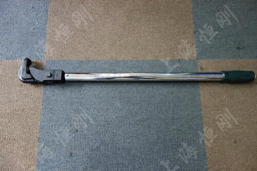 管钳头汽车修理厂用的扭力扳手图片